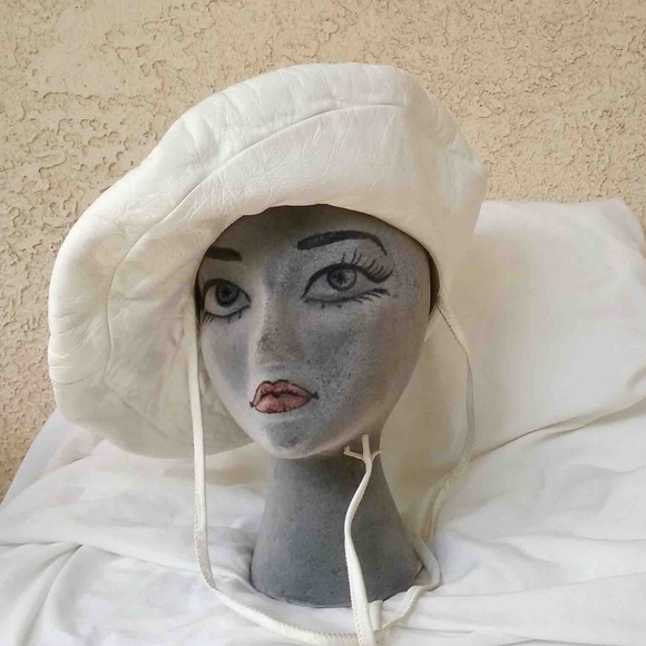 Yves Saint Laurent Accessories  2c802e5405d